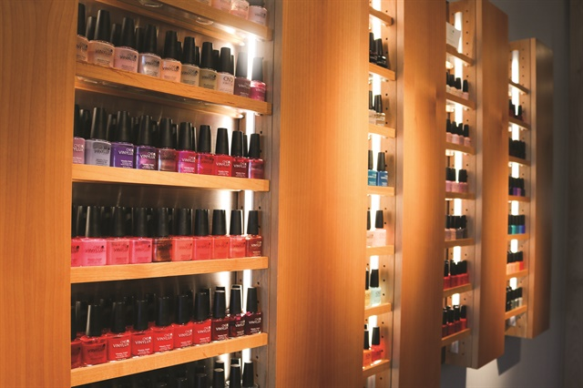 Clients can choose from a wide range of CND Vinylux and Shellac shades, as well as Deborah Lippmann polishes.