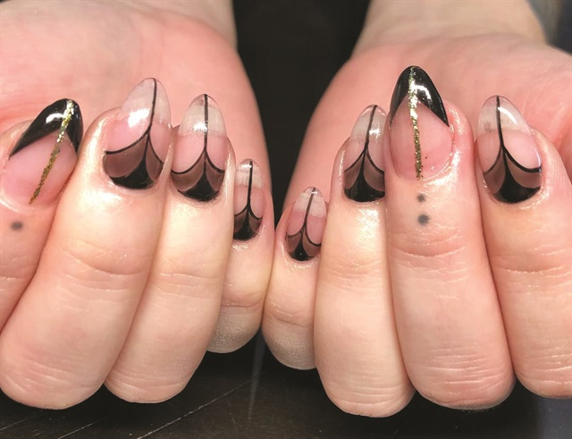 <p>Nails by Adreanna Corrales @chicaartistanails</p>