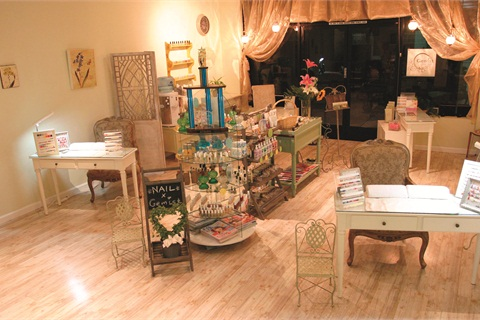 """<p><span style=""""line-height: 120%; font-family: 'Arial','sans-serif'; letter-spacing: -0.15pt; color: windowtext; font-size: 10pt;"""">Gemist Nail Salon incorporates vintage, bohemian, and contemporary elements to create a warm, feminine atmosphere for clients. According to salon owner Meg Kaehler, it also prevents the salon from looking clinical. </span></p>"""