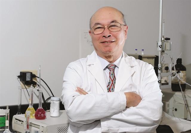 <p>Dr. Win L. Chiou</p>