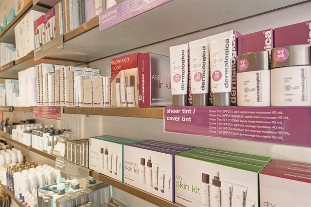 <p>All employees are trained on any new brands the salon may pick up. They receive a commission for any products they sell.</p>