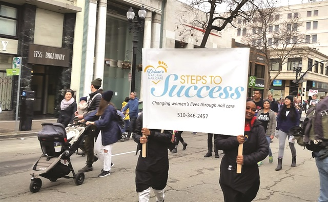 <p>DNNC members participated in the Women's March in Oakland.</p>