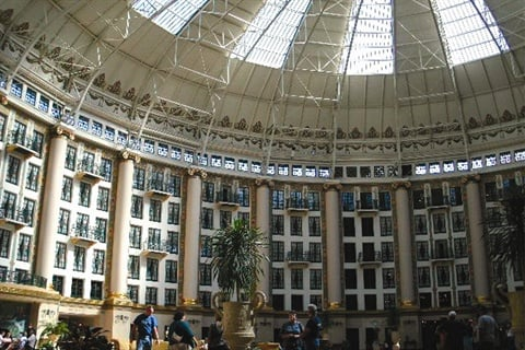 <p>After a cold night of camping and a quick morning shower, I welcomed the opportunity to be pampered in such opulent surroundings.</p>