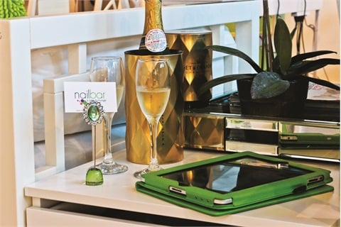 <p>Customers are offered complimentary champagne or coconut water with their service.</p>