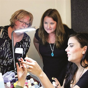 <p>Vicki and I watching Elaine Watson do a set of cover nails in 2010.</p>