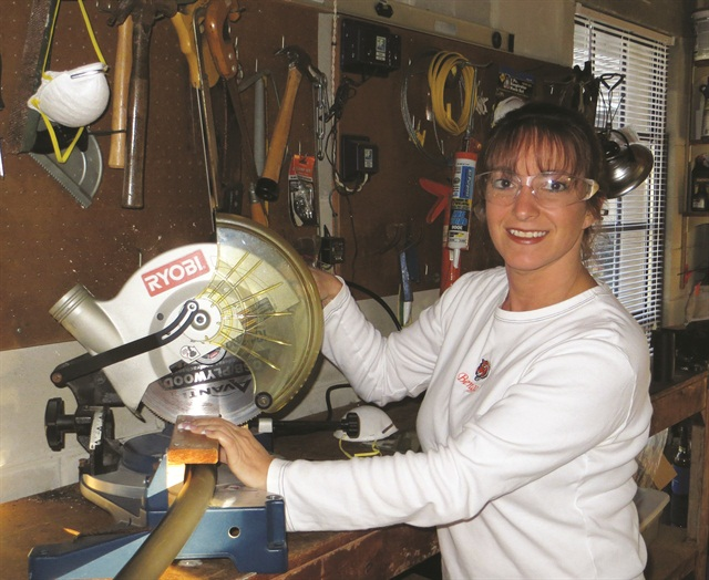 <p>Fibromyalgia-sufferer Robin Stopper invented the Wrist-Assist to raise and stabilize clients' hands in order to ease the pain of repetitive strain injuries.</p>