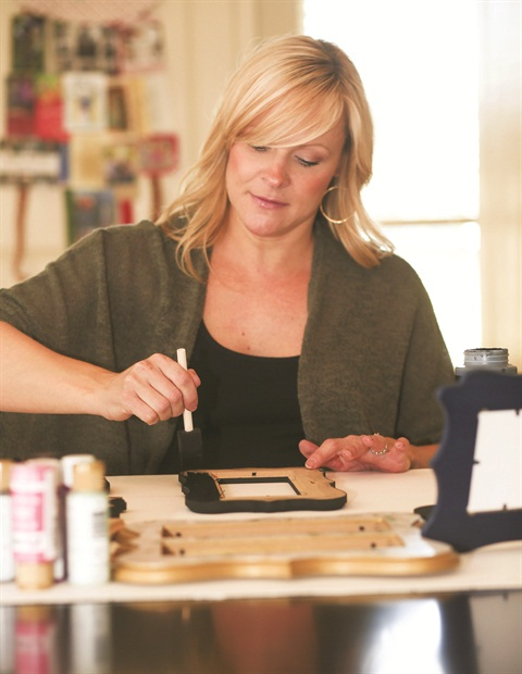 <p>Cosmetologist Abby Briggs saw an opportunity when she ran into a woodworker friend and learned he could cut frames to any size and shape.</p>