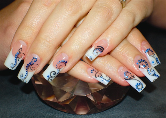 Meet Some Of Our Nail Art Gallery Pros Style Nails Magazine