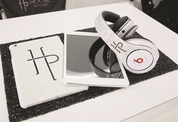 <p>Clients can choose from the branded iPads or bedazzled Beats By Dre headphones to keep them occupied.</p>