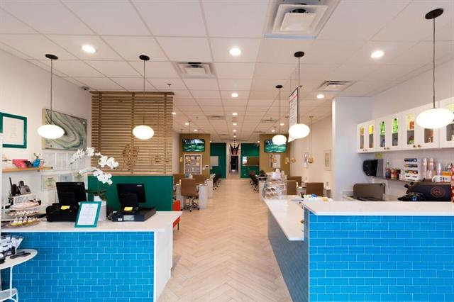 <p>The name Velvet Nail Lounge plays off the rich material's association with royalty.</p>