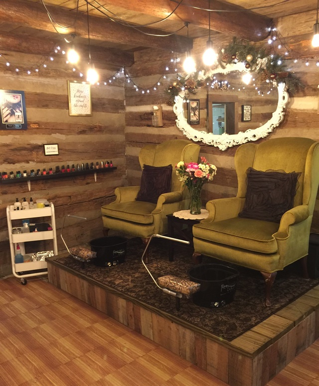 <p>Kiley Ann's Nail Salon, Sevierville, Tenn.</p>