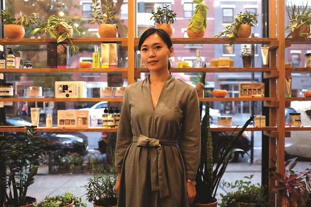 <p>Katya Kan received a degree in fashion merchandising before opting to work as a nail tech.</p>