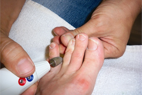 1 Cleaning Between Toes