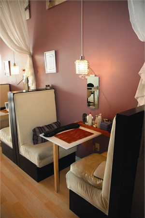 <p>The unique manicure booths were created to enhance the relaxing experience of being in the salon with added privacy and comfort.</p>