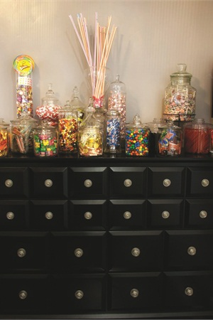 <p>Nail Candy Lounge features an assortment of free candy stored in apothecary jars. The sugar supply feeds not only Silacci's clients, but Euphoria Salon and Spa customers as well.</p>