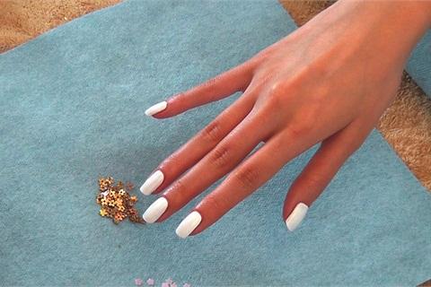 Gold Rush Nails Technique Nails Magazine