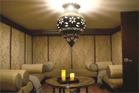 <p>How cool is that chandelier in the quiet room in the spa?</p>
