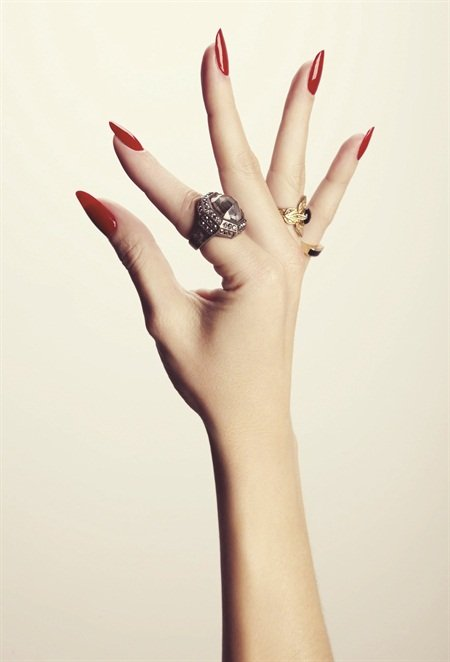 <p>Photograph by Dawn DiCarlo featuring nails by Madeline Poole </p>