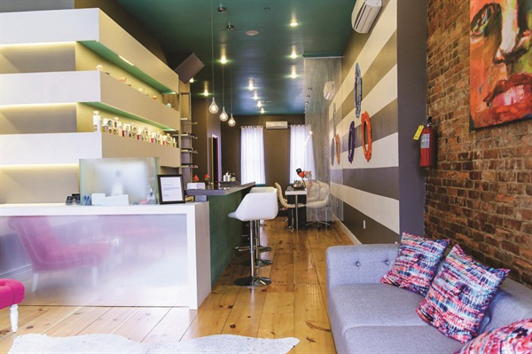 <p>The clean, bright aesthetic is what helps draw customers in.</p>