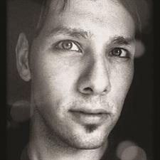 <p>Ruben Eduard</p>