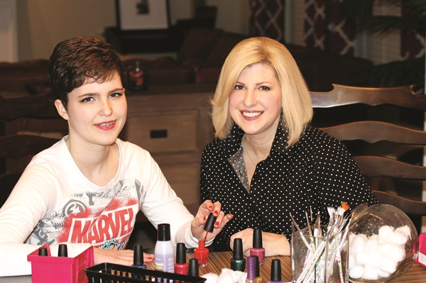 <p>Addison and Leslie Henry make nail time their mother and daughter bonding time.</p>