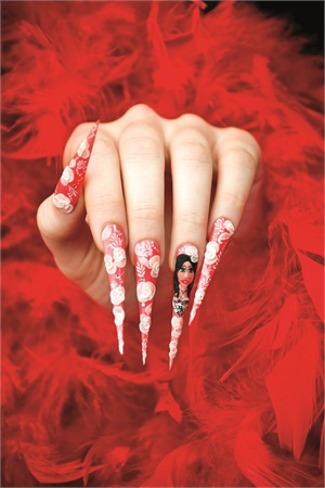 <p>Nails by Paulina Pastuszak. Photography by Maria Specjal</p>