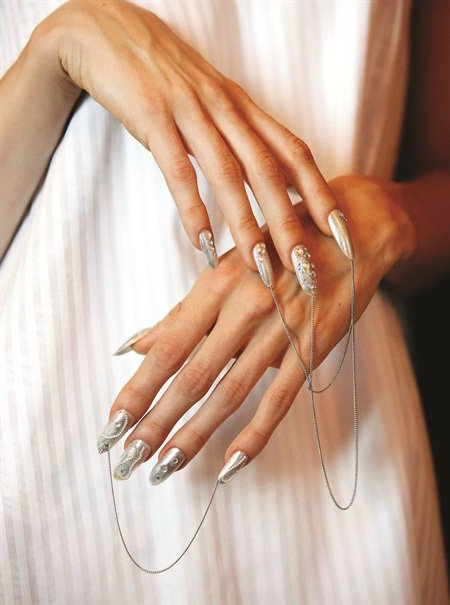<p>Gonzalez-Longstaff created these nails for designer Marianna Jungmann during London's Fashion Week in September 2014.</p>