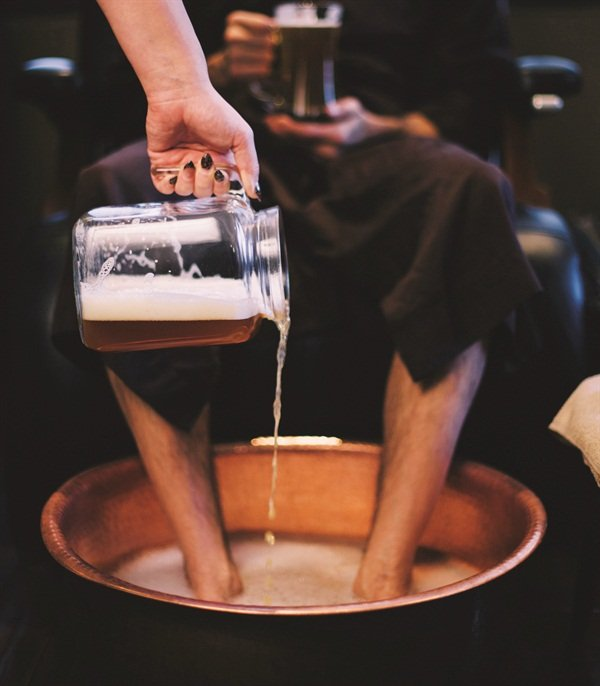 Ale-ing Foot Service photo courtesy of Anjou Spa, Bend, Ore. Photo by Natalie Rae Puls
