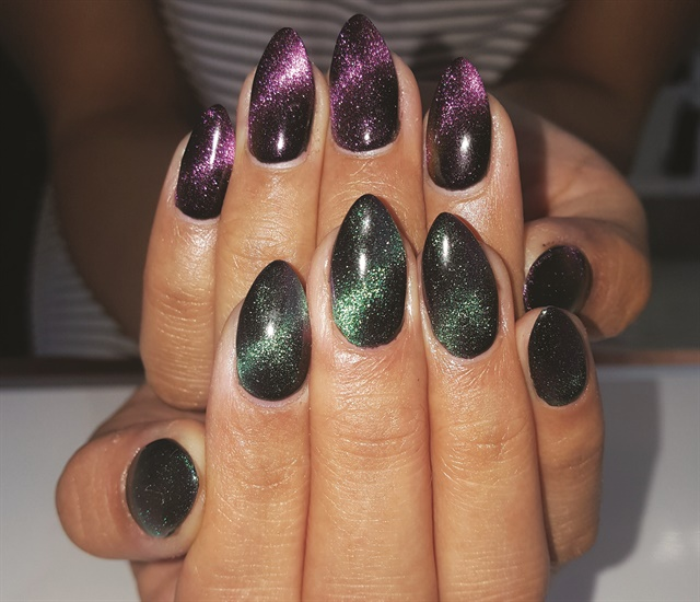 <p>Nails by Megan Lee (@brightskynails)</p>