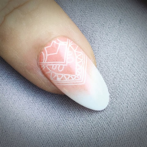 <p>Nails by Fee Wallace (@fee_wallace)</p>