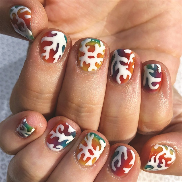 <p>Nails by Gena del Portillo (@i_heart_nailart)</p>