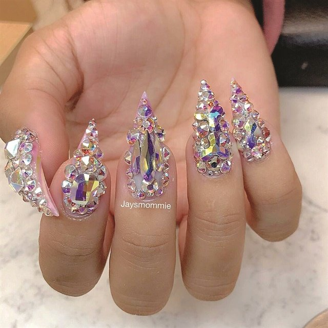 <p>Nails by Reina Seegobin (@jaysmommie)</p>