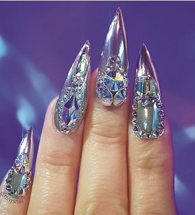 Nails by Tony Ly (@tonysnail)