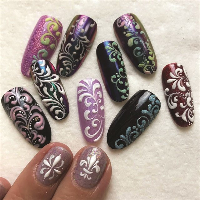 <p>Nails by Lauren Wireman (@wildflowersnails)</p>