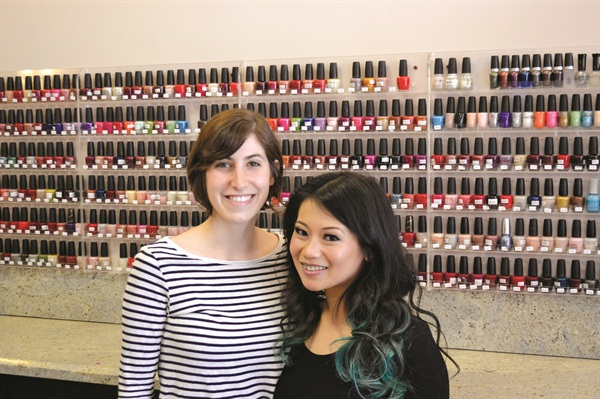 That's me on the left with the salon owner Jessica Saelim!