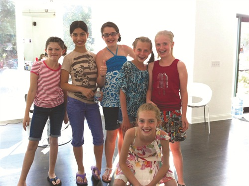 <p>Happy tweens are gearing up for a nail party at Chicago's Rock Candy Salon &Spa.</p>