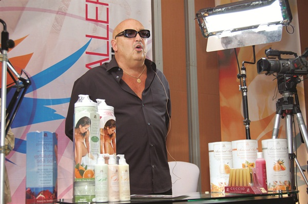 <p>Tony Cuccio  brings his message of increasing salon profits to Mexico.</p>