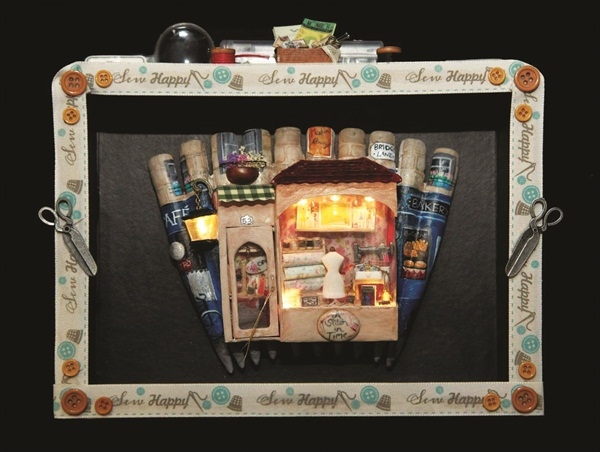 <p>Scottish nail tech Sarah Abbott took the top prize in her first competition with this boxed art entry.</p>