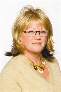 <p>Vicki Peters</p>