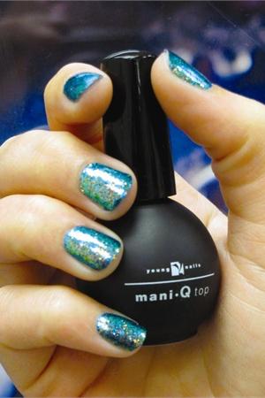 Mani Q Glitter Press Technique Nails Magazine
