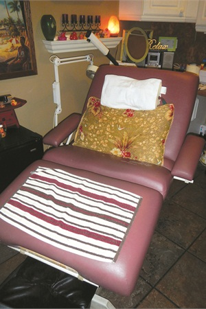 <p>Prida, who also does facials andwaxing, performs her specialized pedicuresin a facial chair in a private room.</p>