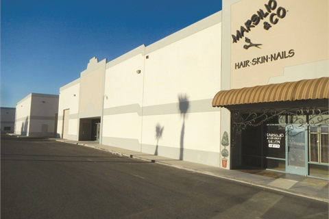<p>The salon is located in anindustrial warehouse just a fewmiles away from the hustle andbustle of the Las Vegas Strip.</p>