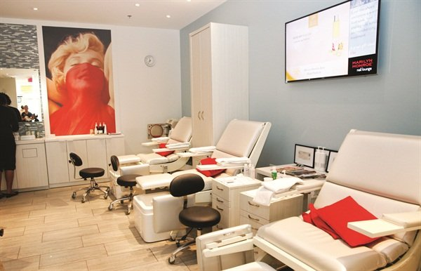 <p>State of the art European pedicure chairs designed exclusively for Marilyn Monroe Spas.</p>
