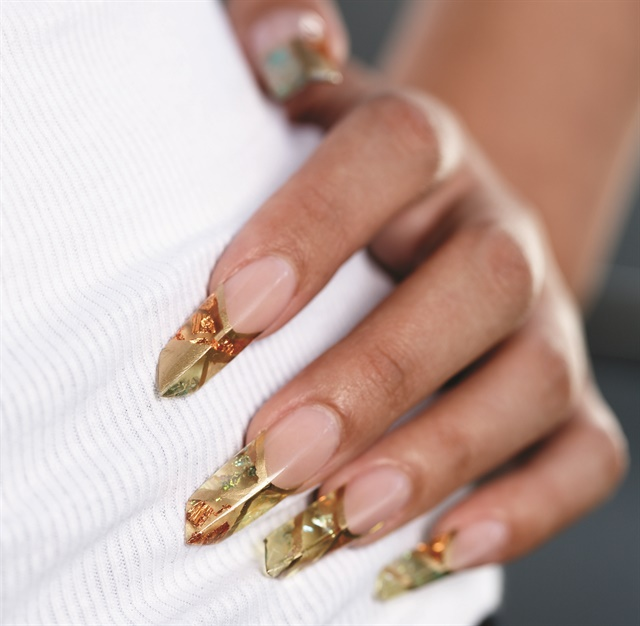 <p>Nails by Lynn Lammers</p>