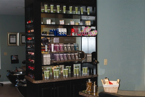 <p>Colorful displays and fully stocked shelves draw a client&rsquo;s attention to the retail display, making it easier to talk about products that would benefit her.</p>