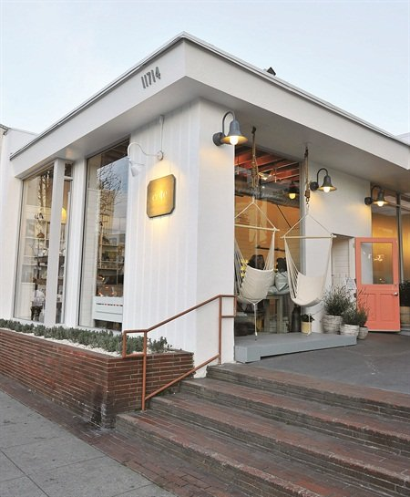In the Brentwood neighborhood of Los Angeles, Côte offers affordable and unique salon services.