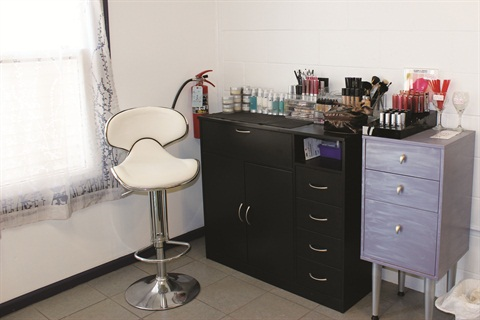 <p>7th Heaven's makeup services are by appointment only, offered primarily to bridal parties.</p>