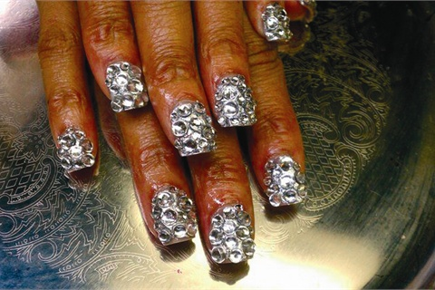 At Immix Hair Gallery Day Spa In Conyers Ga Diamond Nails Take Over 200 Swarovski Crystals And For The Length Shown Cost 100