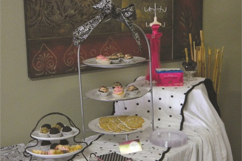 <p>Offering desserts only, like at this party hosted by The Nail Nook, is a great way to save money.</p>