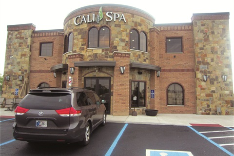 Double-Decker Salon Grabs Attention in Indiana - Business - NAILS ...